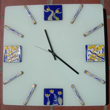 Square clock in vitreous enamel