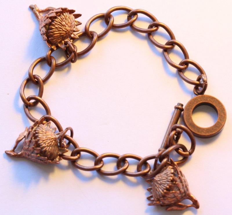 King Protea (small) bracelet in bronze
