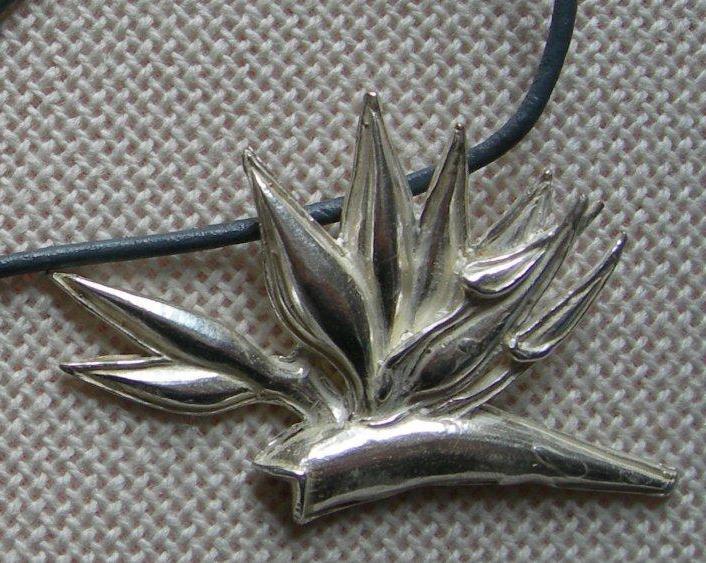 Strelitzia pendant in plated silver