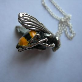Bee pendant in sterling silver