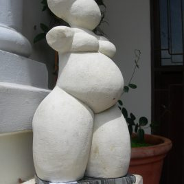 Armless nude woman