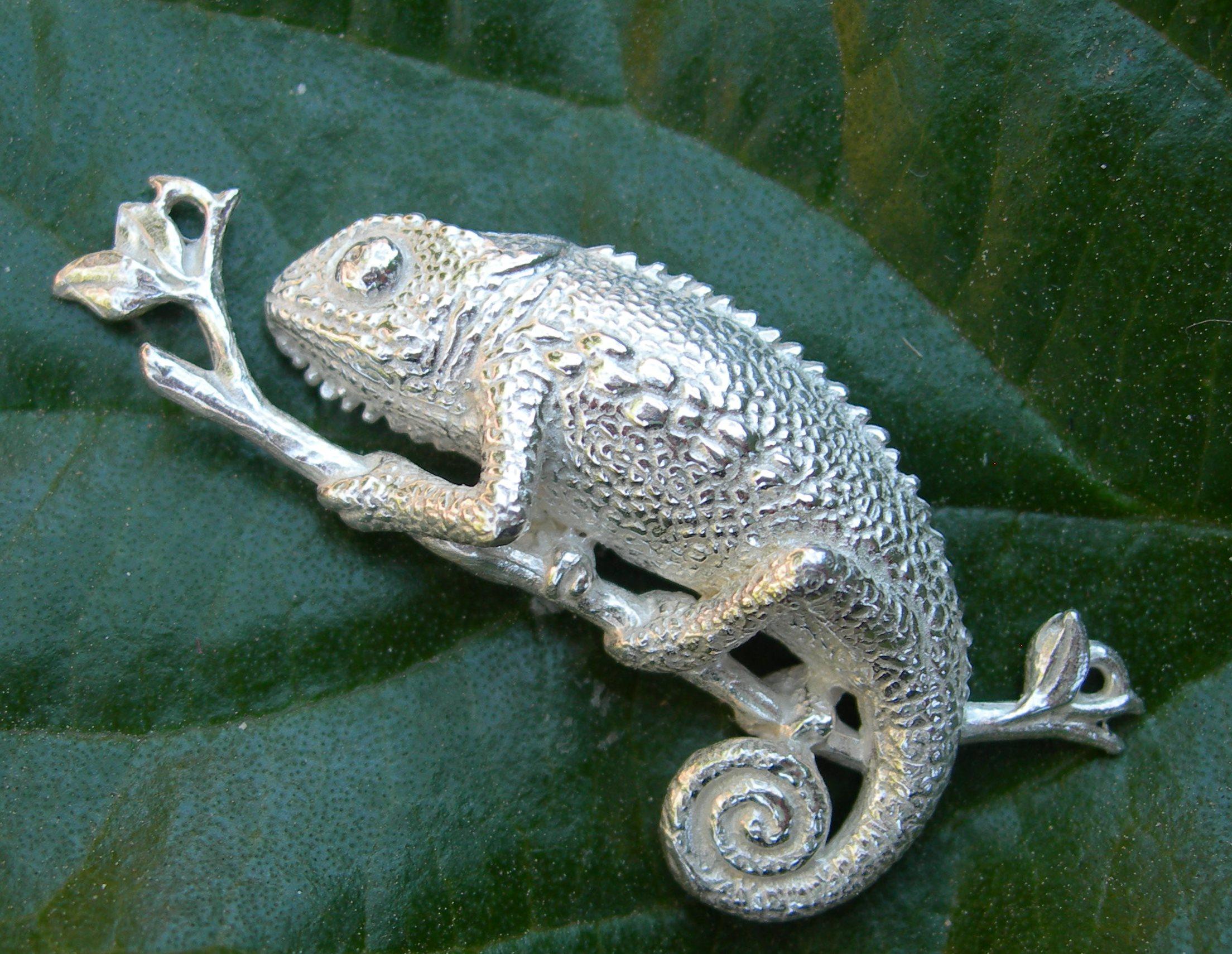Chameleon sterling silver pendant