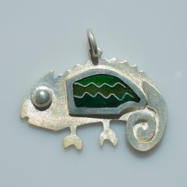 Chameleon of happiness pendant