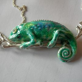 Chameleon pendant in plated silver