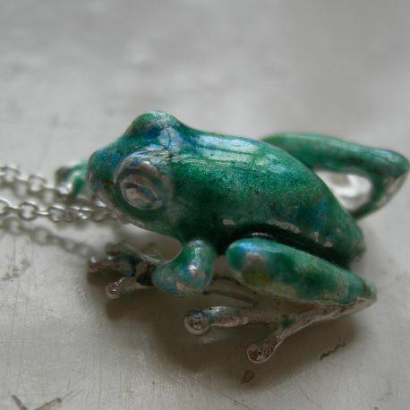 Frog  pendant small in sterling silver & bosse-ronde vitreous enamel – Copy