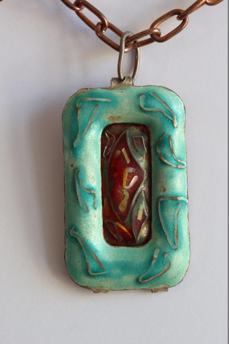 Green pendant in copper in cloisonné
