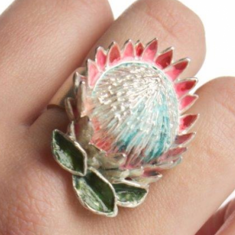 King protea ring in plated silver and enamel