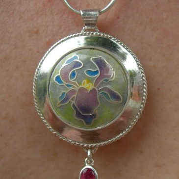 enamelled pendant with tourmaline