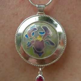 Pendant in sterling silver with faceted tourmaline