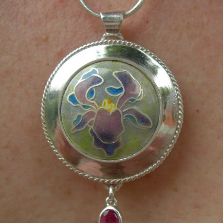 Pendant in sterling silver 925 cloisonné vitreous enamel with faceted pink tourmaline and silver snake chain