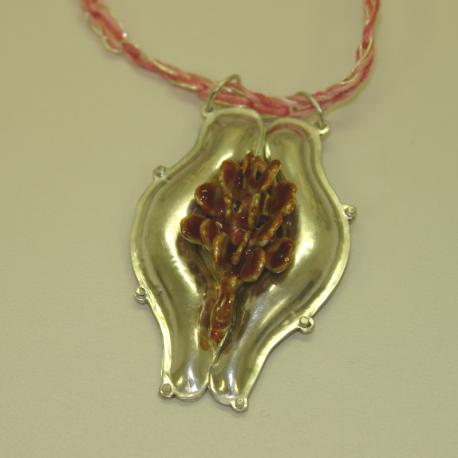 Womanhood pendant in sterling silver turquoise bosse-ronde vitreous enamel