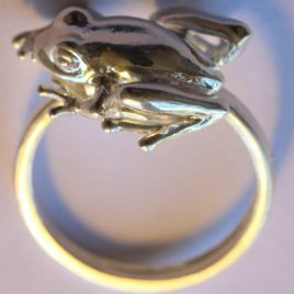 Frog (small) ring in plated silver