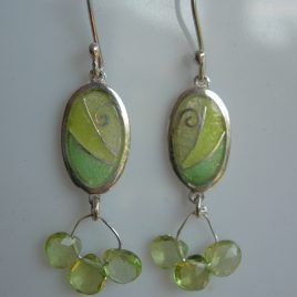 Chartreuse oval earrings in sterling silver