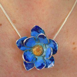 Cornflower blue pendant in sterling silver