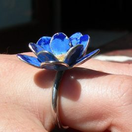 Cornflower blue ring in sterling silver