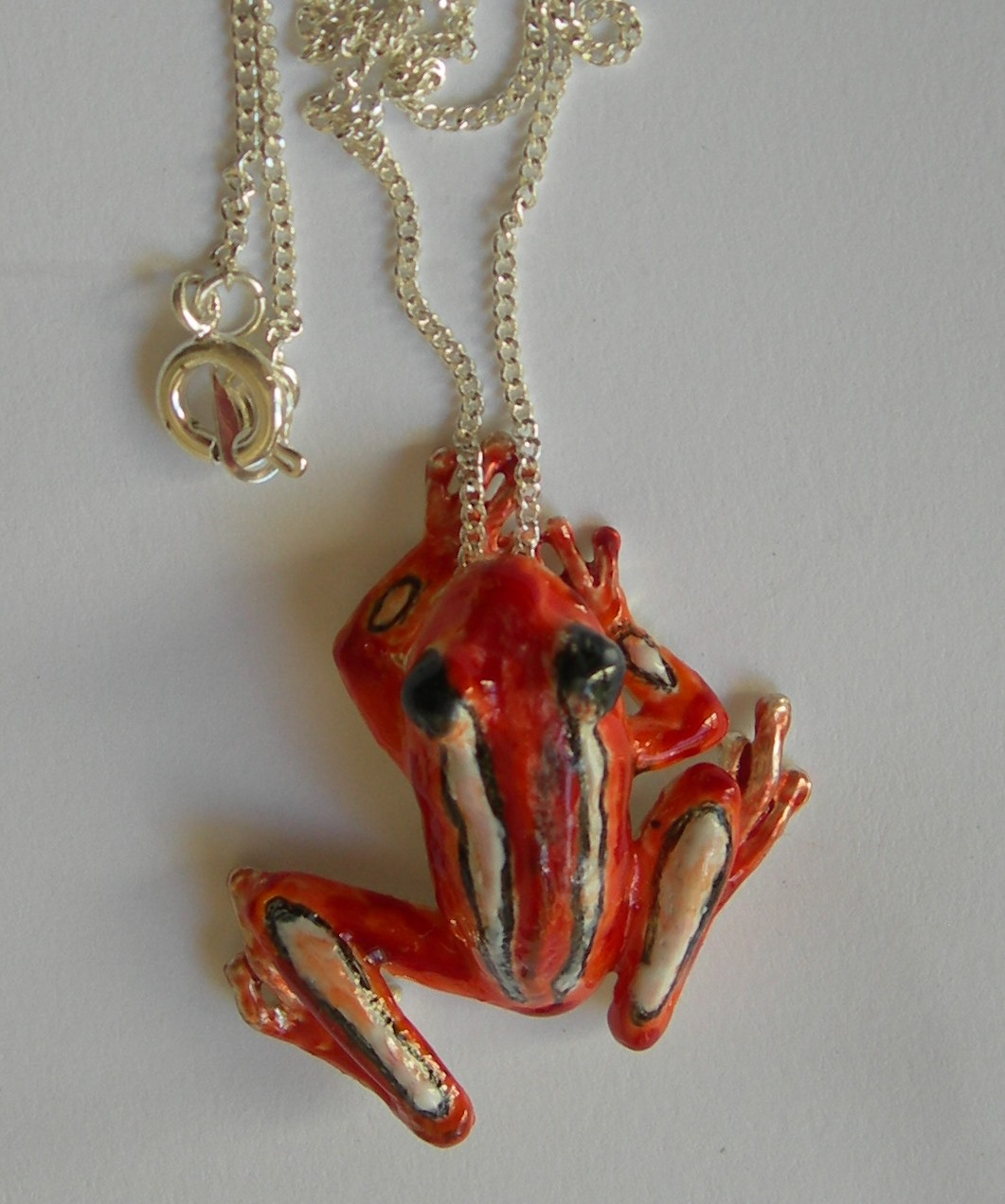 Frog small pendant in plated silver