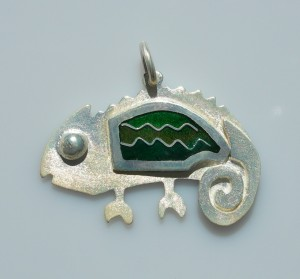 Chameleon of happiness pendant in sterling silver with cloisonné vitreous enamel