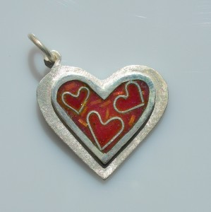 Heart of happiness pendant in sterling silver with cloisonné vitreous enamel